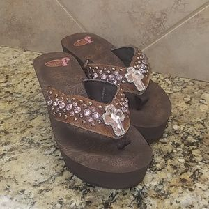 3e74c37971cac Women s Justin Ladies Brown Rhinestone Flip Flops